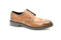 Collezione scarpe uomo lucacalzature milano corso vercelli,vari modelli classici e sportivi,derby con fiore in punta e fondo vibram gomma.