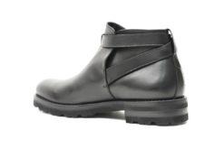 Stivaletto uomo con fondo gomma vibram fatto a mano,calzature di qualità in pelle con accessorio.Lucacalzature milano online