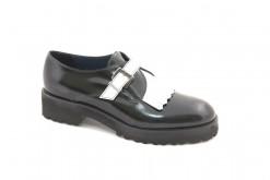 Scarpa donna tipo uomo con fibbia in bianco nero,calzature in pelle black and white.Shoes online www.lucacalzature (1)