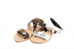 Sandalo Positano in pelle artigianale con accessorio strass.Luca Milano.