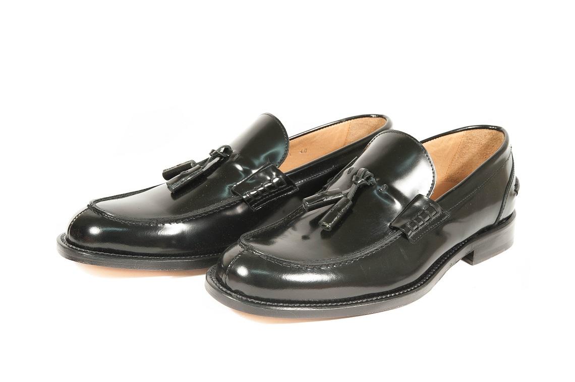 Scarpe online in vendita sullo shop ufficiale di Scarpe & Scarpe: scarpe da donna, uomo e bambino per tutti i gusti. Entra per scoprire un mondo di scarpe a acquista in pochi clic!