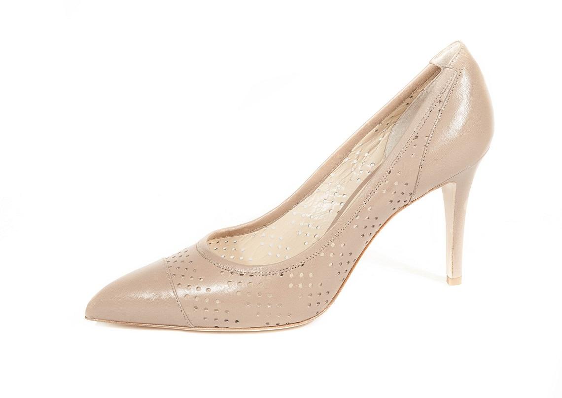Le migliori marche di calzature proposte da Casa Italia by Canale Italia ora disponibili anche online. Scarpe donna e scarpe uomo di qualità per tutti gli italiani, dallo stile classico all'ultima moda.