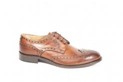 Scarpe stringate in pelle da uomo fatte a mano con vitelli pregiati e suole vibram.www.lucacalzature.it