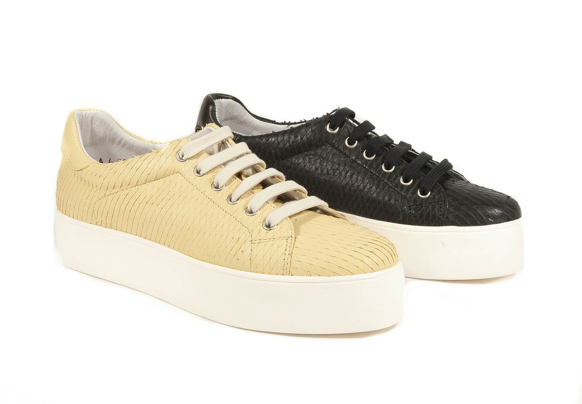 4538238b22e69 Sneakers in vitello intagliato. – Luca Calzature E-store