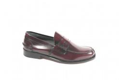 Scopri tutta la collezione di scarpe da uomo artigianali Lucacalzature,a Milano in Corso vercelli.