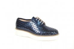 Scopri tutte le scarpe stringate da donna Primavera Estate sul nostro ecommerce www.lucacalzature.it .Classica stringata in pelle intrecciata in laminato blu (Copia)