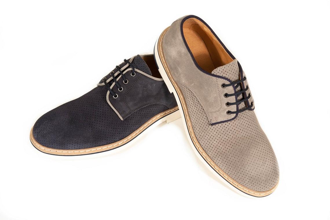 Con più di marche e 45 modelli, scopri il meglio delle scarpe per donna, uomo e bambino. CONSEGNA E RESO GRATUITI!*.