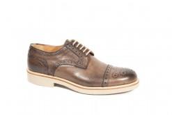 Tantissime scarpe da uomo fatte a mano con vitelli pregiati e suole vibram.www.lucacalzature.it