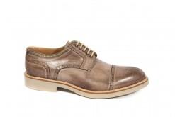 Tantissime scarpe da uomo stringate fatte a mano con vitelli pregiati e suole vibram.www.lucacalzature.it