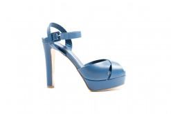 La passione per le scarpe con i tacchi alti è puramente femminile,scopri di più sul nostro Shoponline Luca.