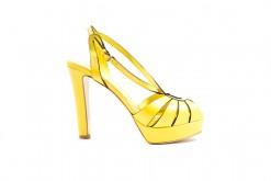 Sandalo tacco alto con plateau in pelle gialla solo da Lucacalzature a Milano in Corso Vercelli.