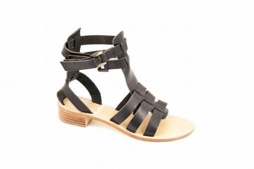 Sandalo tacco basso in pelle a prezzi scontati.visitate il nostro outlet.