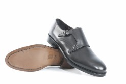 calzature-eleganti-e-sportiveseguici-sul-nostro-shoponlinescegli-i-prodotti-italiani-luca-a-milano