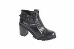 stivaletti-anckle-boots-con-accesori-e-liscitacchi-bassi-e-tachi-altiscopri-i-tuoi-ankle-boots