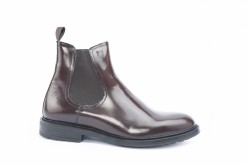 Ankle boots in vitello spazzolato brushed calf per abiti eleganti e look sportivi.