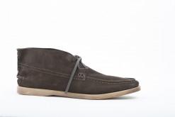 Sportivi o eleganti,scarponcini ankle boots in camoscio marrone .