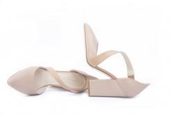 Visita il nostro shoponline e scopri tutte le scarpe da donna con i tacchi alti.Luca calzature Milano.