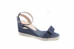 Esplora nel nostro sito ufficiale la collezione di sandali e scarpe espadrilles originali spagnole e acquistale direttamente sul nostro ecommerce.