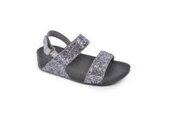 Scegli i tuoi nuovi sandali bassi e comodi, scopri il modo flitflop,a partire da 79 euro.Tantissimi modelli stupendi.