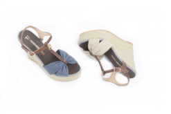 Trussardi Jeans,scopri le scarpe eleganti e sportive del famoso brand italiano.