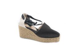 Visita il nostro Ecommerce ,scegli le scarpe Castaner in tessuto.