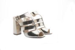 Sandali eleganti in vitello laminato oro e tacco alto, scegli i tuoi modelli preferiti.Shoponline Luca