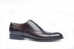 Scarpe da uomo eleganti artigianali da Lucacalzature a Milano in corso vercelli.