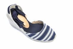 Visita il nostro Estore e acquista scarpe donna e uomo. A milano in corso vercelli.