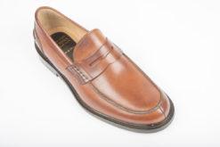 Mocassini eleganti da uomo fatti a mano, scegli il modlelo per il tuo abbigliamento.