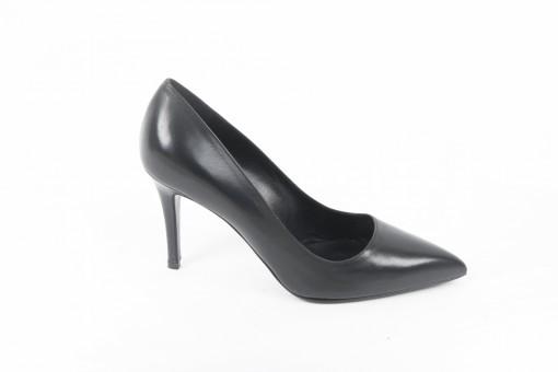 Scarpe da donna eleganti, scegli le decolletè in pelle e in camosico per tutte le occasioni importanti.