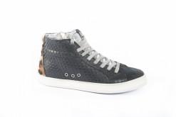 Scegli le tue sneakers sportive da lucacalzature, a Milano dal 1960 con le calzature made in Italy.
