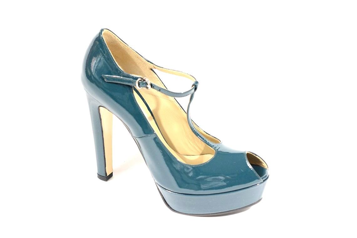 20460802d17a4 decolletè elegante in vernice modello charleston donna fashion glamour  ecommerce lucacalzature milano shop