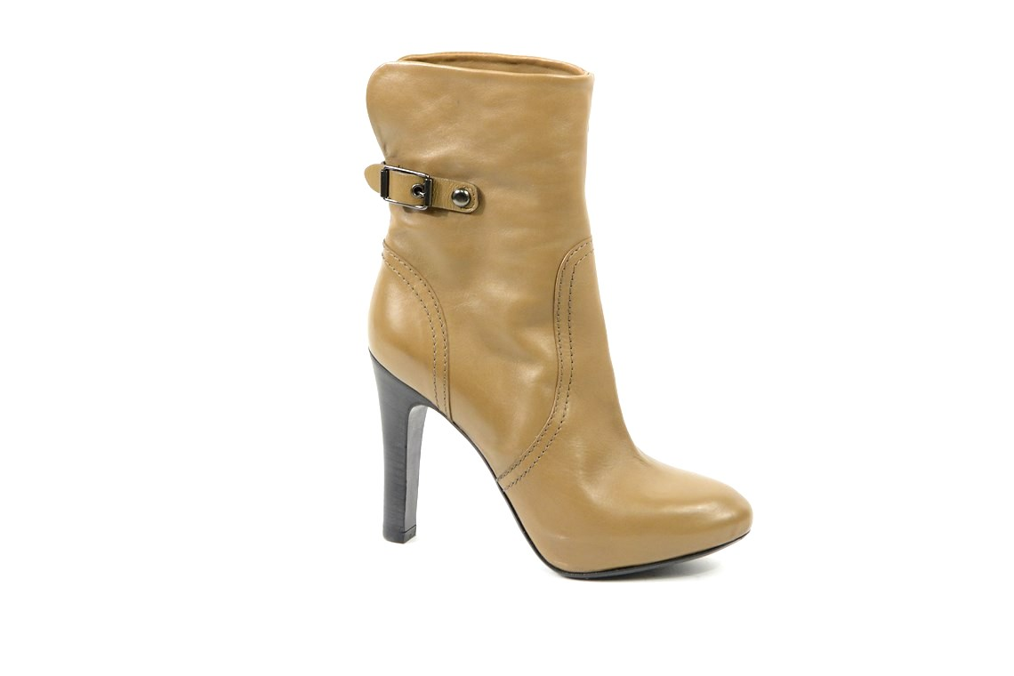 14004a7925021 Scarpe donna stivaletti in pelle promozione outlet lucacalzature milano  corsovercelli.shopping online