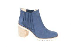 Novità, esclusive, scopri una vasta scelta di modelli di scarpe donna sul nostro Shoponline www.lucacalzature.it Consegna e reso gratuite in tutta Italia.