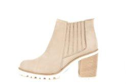 Novità, esclusive, scopri una vasta scelta di modelli di scarpe donna sul nostro Shoponline www.lucacalzature.it Consegna e reso gratuite in tutta Italia. Scopri di più!