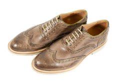 Novità, esclusive, scopri una vasta scelta di modelli di scarpe uomo sull'E-store Lucacalzature. Mocassini,francesine,doppie fibbie,derby,polacchini. (Copia)