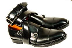 Scarpe e accessori per uomo,doppia fibbia in vitello nero con doppia suola di cuoio cucita a mano.www.lucacalzature.it