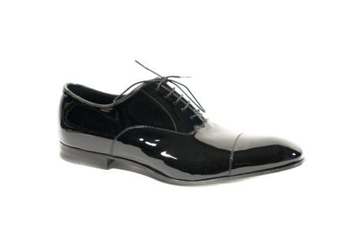 Scarpe stringate eleganti in vernice con suola di cuoio.www.lucacalzature.it