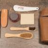 kit da viaggio per la cura e la manutenzione delle proprie calzature ,per scarpe eleganti e sportive,in pelle o in camoscio.Shopping online Luca.Shoes and care.
