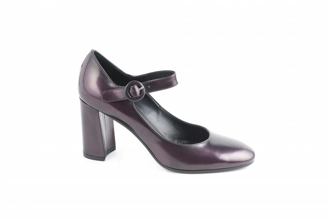 size 40 f6430 e4958 Scarpa donna punta tonda in vernice con cinturino.