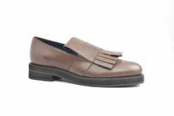 scarpe-da-donna-in-pelle-modello-con-frangiasliponpantofolasleepers