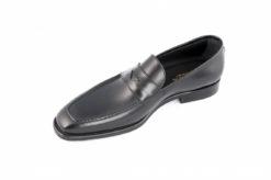 https://www.lucacalzature.it/lc1945/wp-content/uploads/2016/12/Sfoggia-il-tuo-stile-con-la-collezione-di-scarpe-eleganti-a-mocassino..jpg