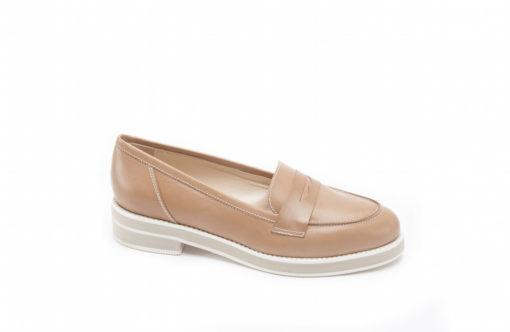 Mocassino sportivo in pelle con suola di gomma,scopri le calzature sportive di qualità made in italy.