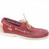 Scarpe da barca sax in camoscio rosso con accessori color cuoio,scopri il classico modello timberland.