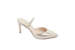 Scegli i sandali in tutte le tinte per la nuova stagione primaverile.