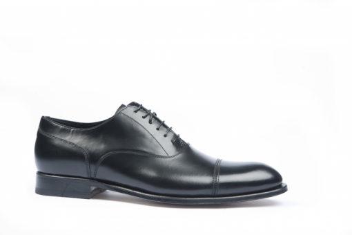 Scarpa elegante allacciata oxford in vitello spazzolato nero. – Luca ... 3b4a78d4847