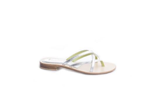 Sandalo basso da donna,listini in pelle con suola di cuoio.lucacalzature.