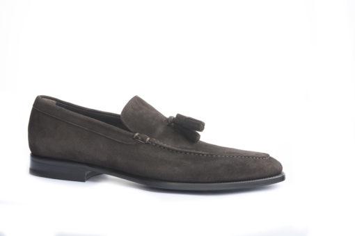 Scopiri modelli classici da uomo Lucacalzature, scegli i modelli disponibili sul nostro Estore.