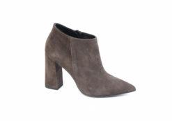 Acquista i tuoi stivaletti autunnali da lucacalzature, scarpe donna e uomo Milano.
