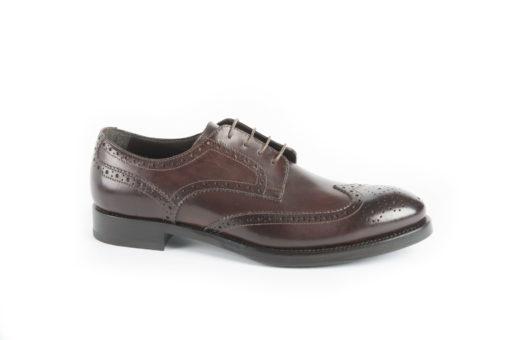 Brogue-,-modello-derby-con-fiore-in-punta,-scarpe-italiane-fatte-a-mano.